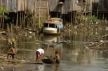 Crianças no igarapé do Tucunduba centro de Belém. Foto Paulo Santos