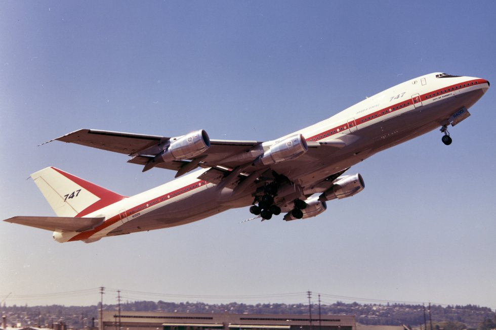 Boeing 100: The First 747 Jumbo Jet
