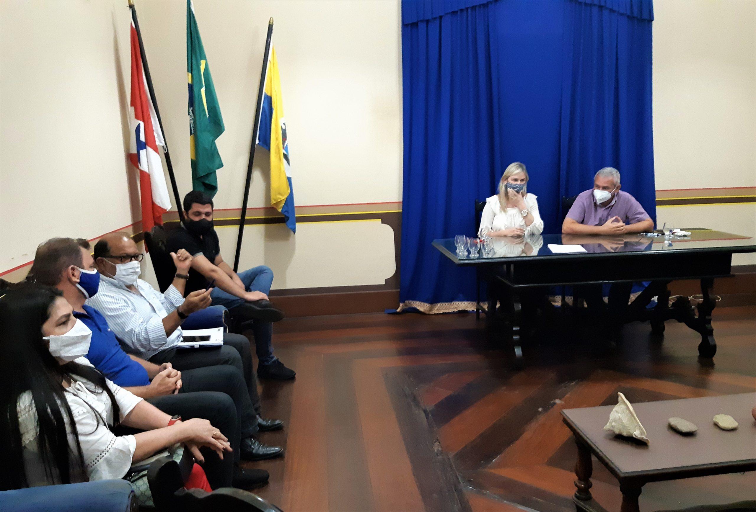 Reunião com o Prefeito Nélio Aguiar, no Centro Cultural João Fona