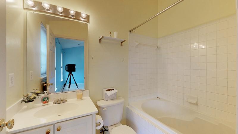 3761 Shannons Green Way, Alexandria, VA - Master Bedroom - Bath