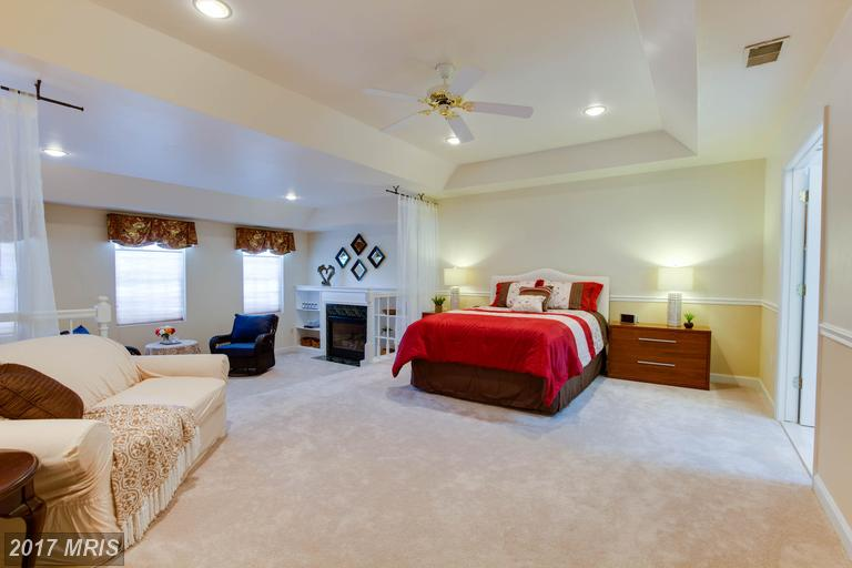 12712 Melville Lane, Fairfax, VA - Master Bedroom