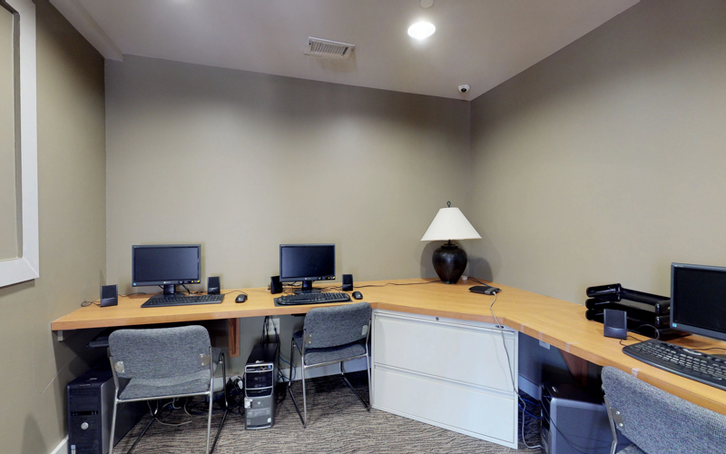 ParcReston Condo - Computer Room