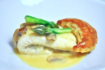 """Dover sole """"Lady Egmont"""" with asparagus, mushrooms and golden fleuron"""
