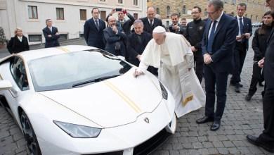 Photo of Papa Francisco ganha Lamborghini e decide leiloá-lo