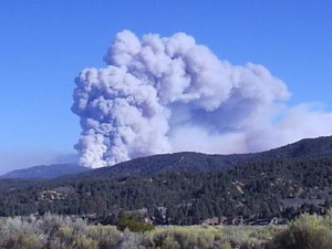 West_alamo_mountain_during_day_fire