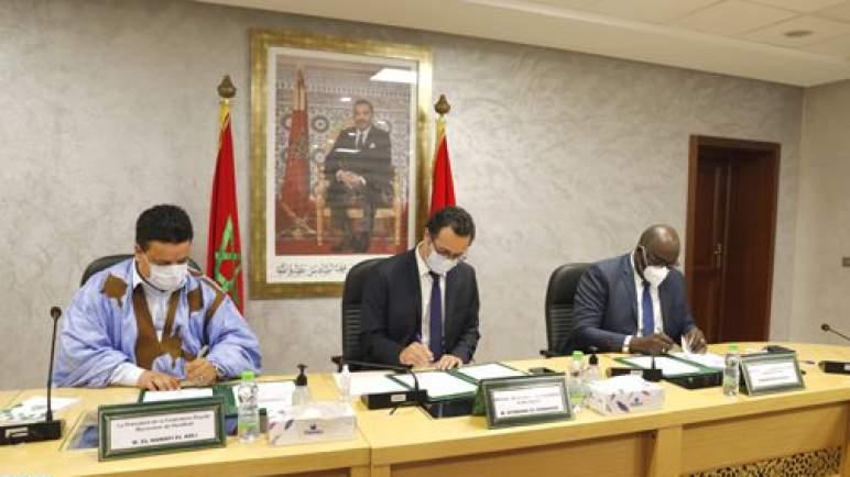 التوقيع بالرباط على اتفاقية تعاون تهم تنظيم كأس إفريقيا للأمم لكرة اليد المقررة بمدينتي العيون و كلميم