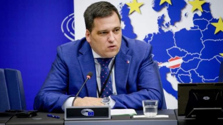 نائب برلماني أوروبي يستنكر مناورات مدريد في البرلمان الأوروبي من أجل تمرير قرار معاد للمغرب