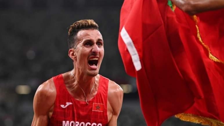 جلالة الملك يهنئ البطل الأولمبي سفيان البقالي
