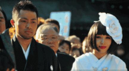鈴木紗理奈 離婚理由 離婚原因 旦那 テラシー 浮気相手 画像 現在 血だらけ