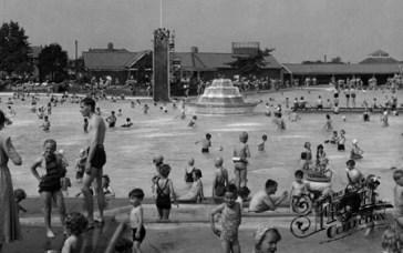 The Bathing Poolc1955Aldershot