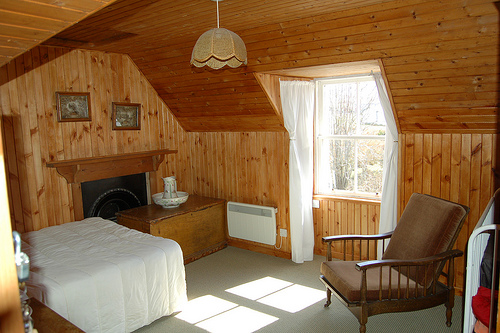 Second double bedroom with views out to mountains