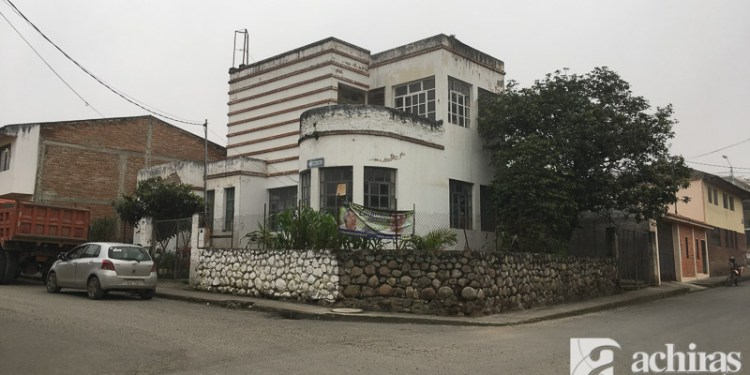Edificio del antiguo dispensario médico de Girón