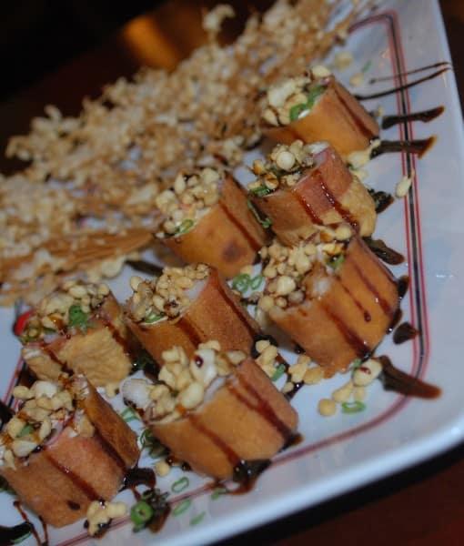 sushi com massa de pastel 1