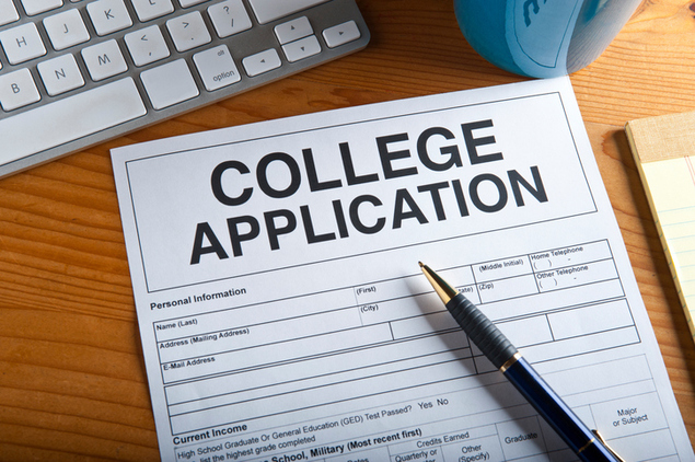 College+Applications+can+be+stressful+to+some+seniors%2C+so+here+is+some+advise+to+help+you+through+it.+%0A%0A