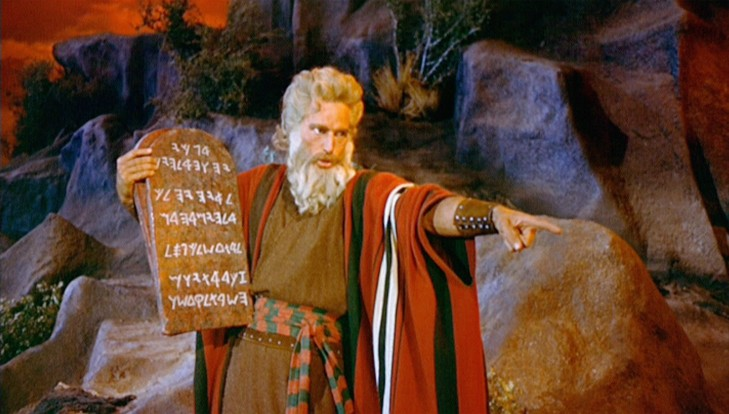 Charlton-Heston-as-Moses-e1431894147497