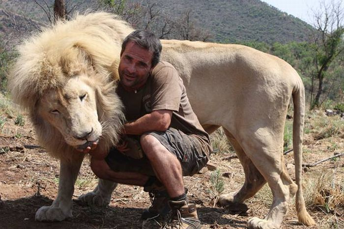 the_lion_whisperer_01.jpg