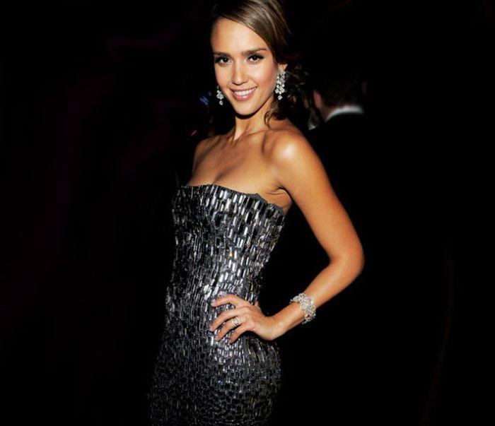Hottest Female Celebrities of 2012  (99 pics)