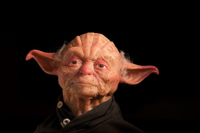 Sculpture of Jedi Master Yoda (7 pics)