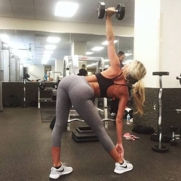 Girls Always Look Drop Dead Gorgeous In Yoga Pants (62 pics)
