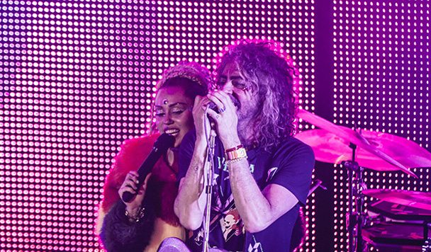 The Flaming Lips – 'We A Famly (ft. Miley Cyrus)'