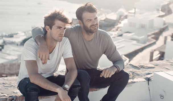 The Chainsmokers & Coldplay – 'Something Just Like This'