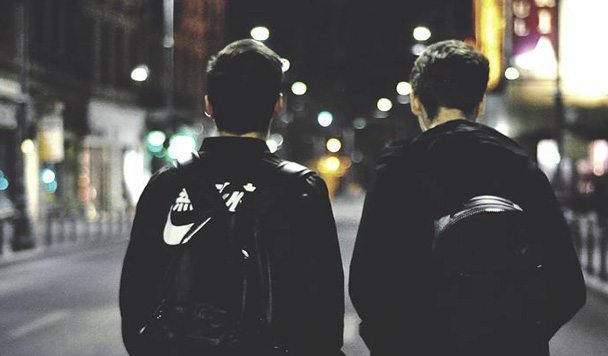 It's Different x Forever M.C. – 'No Hands' (ft. blackbear & MAX)