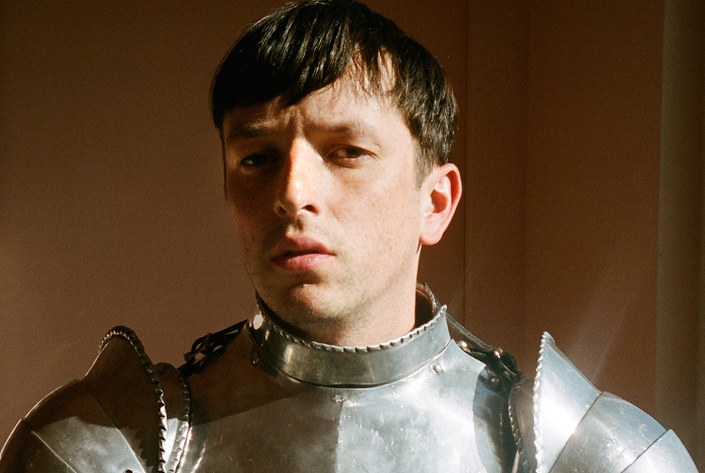 Totally Enormous Extinct Dinosaurs – 'Leave A Light On'
