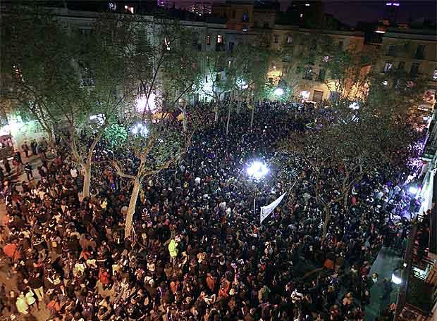Manifestació multitudinària contra la repressió