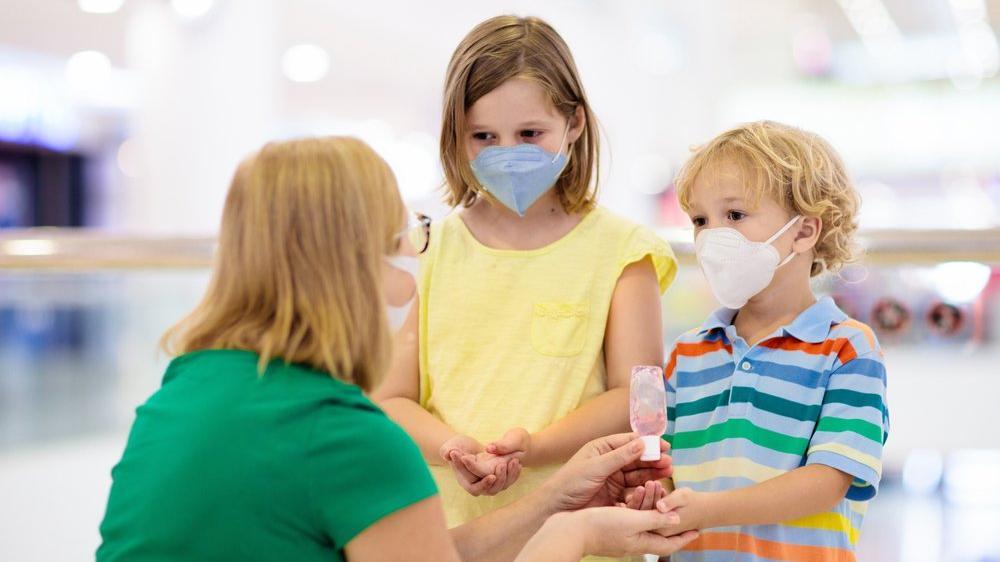 Korona virüs salgınından çocukları nasıl koruyacağız?