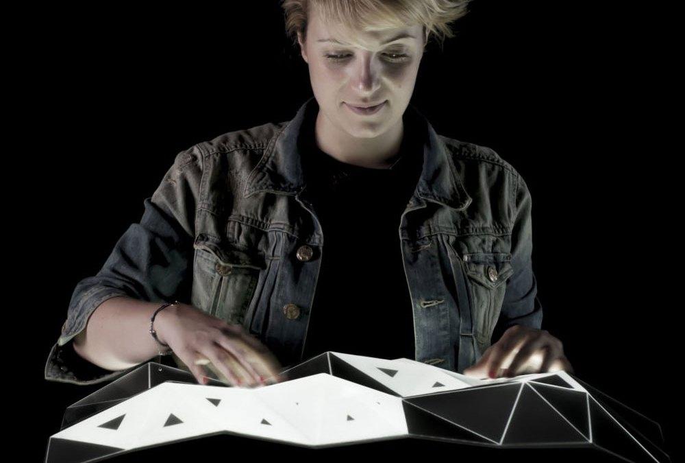 Mathieu Rivier / Light Form, espacio, la retroproyección y la interacción