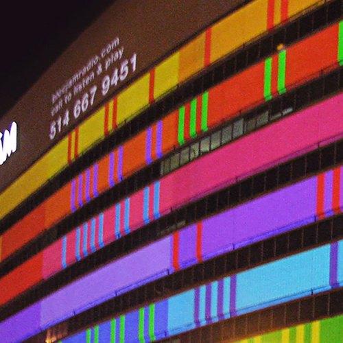 Bloc Jam, música improvisada sobre la fachada de un edificio