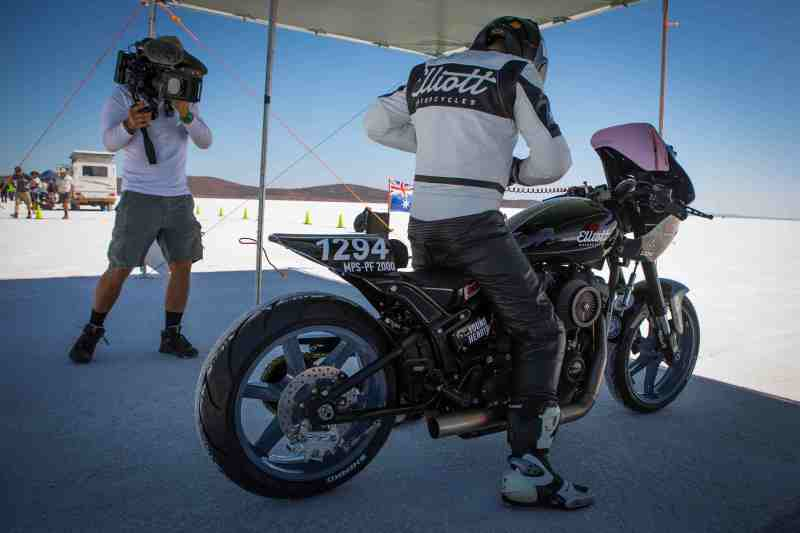 3. Edgard Ferreira at the Lake Gairdner salt flats filming 'The Ultimate Ride' - PHOTO ?