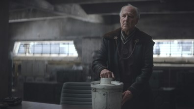 Werner Herzog is the Client, in a scene from 'The Mandalorian' - DOP Grieg Fraser ACS ASC