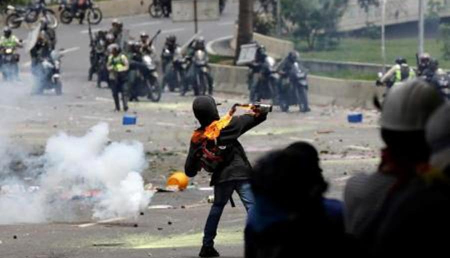 Forças da Venezuela impedem manifestação