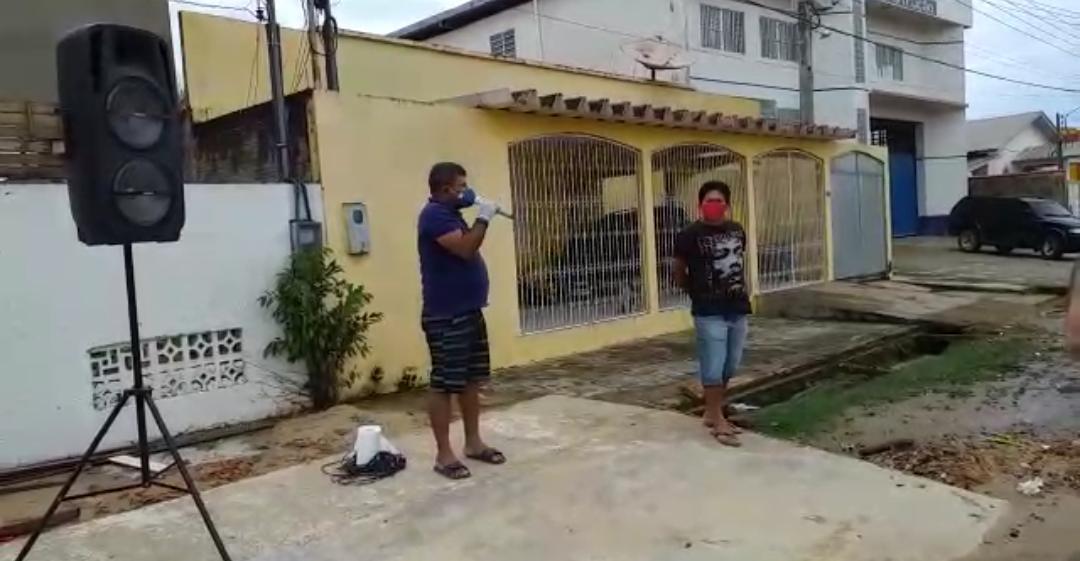 """VÍDEO: """"Você não é bem vindo à nossa cidade"""", diz tarauacaense à advogado que 'derrubou' decreto"""