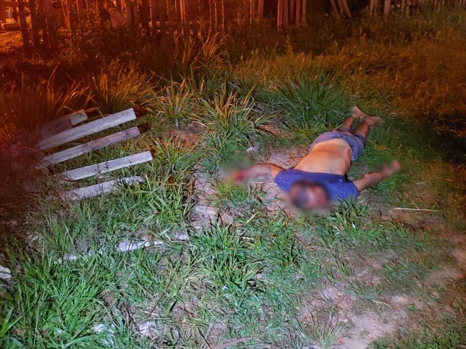 Homem é morto com tiros na cabeça e nas costas no Loteamento Praia do Amapá
