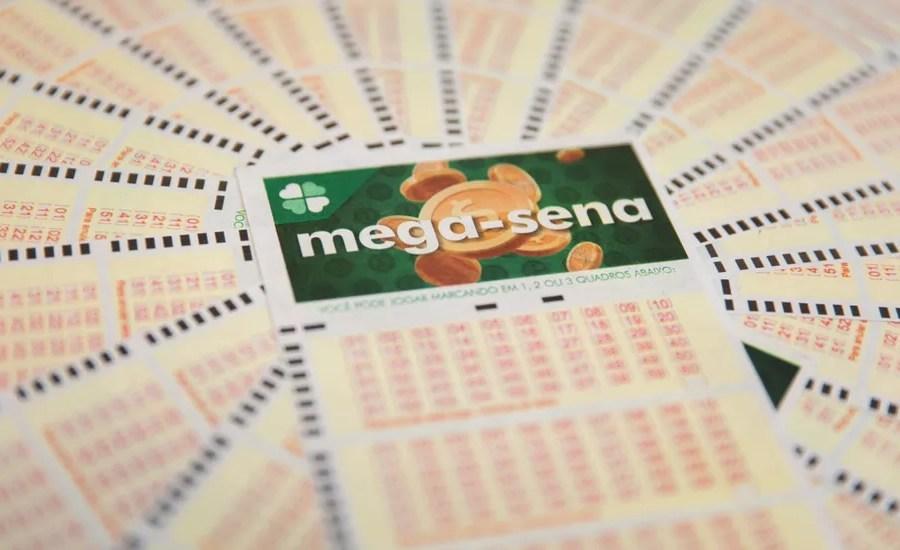 Mega-Sena pode pagar prêmio acumulado em R$ 6,6 milhões nesta quarta-feira