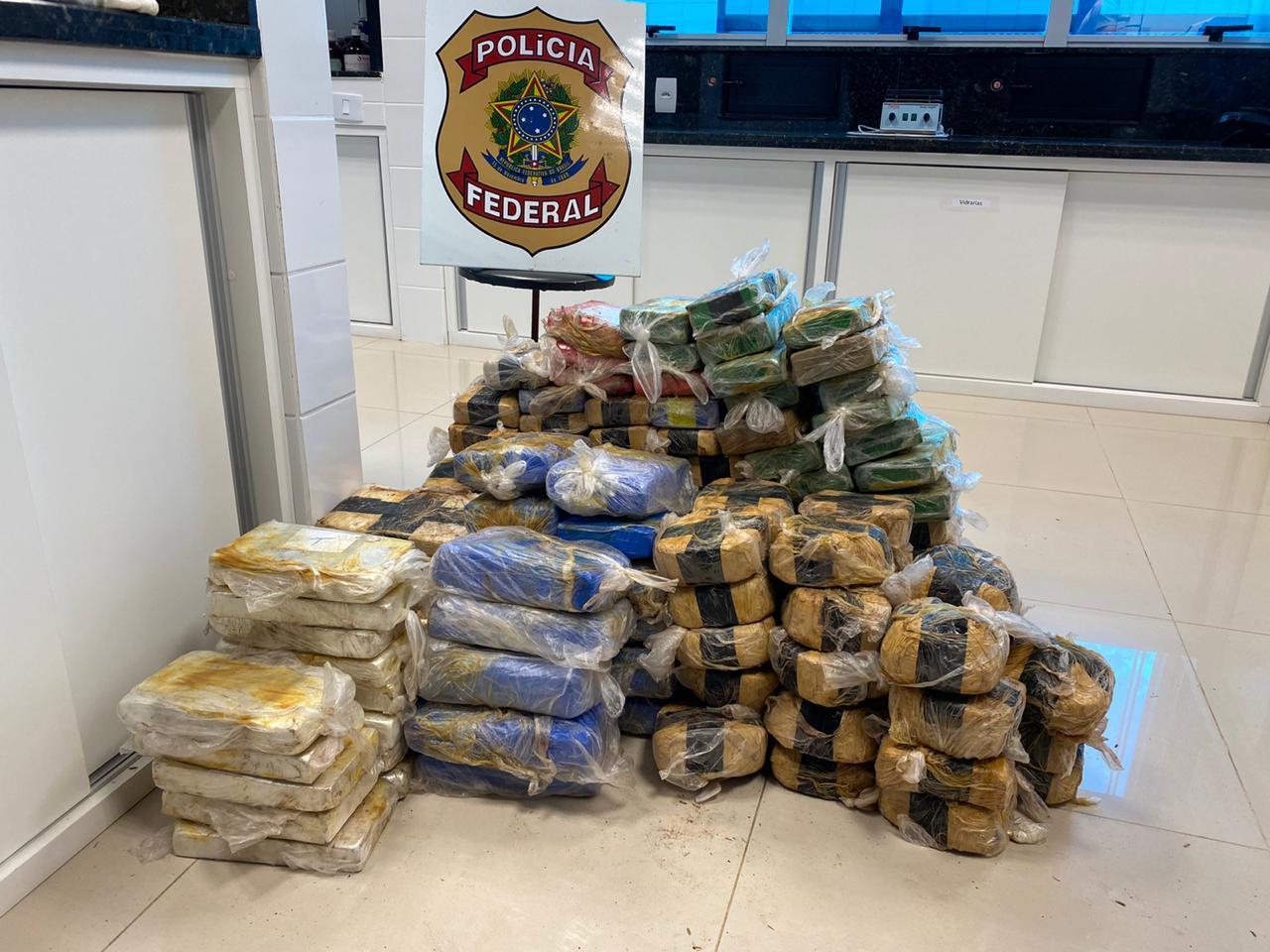 Mais de 150 quilos de cocaína e maconha são apreendidos pela PF na BR-364