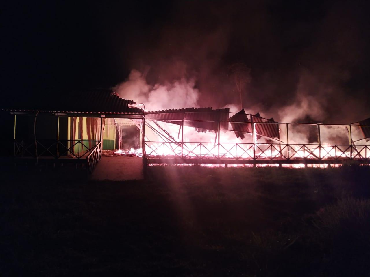 Após prisões de faccionados, escola em Sena Madureira é alvo de incêndio criminoso