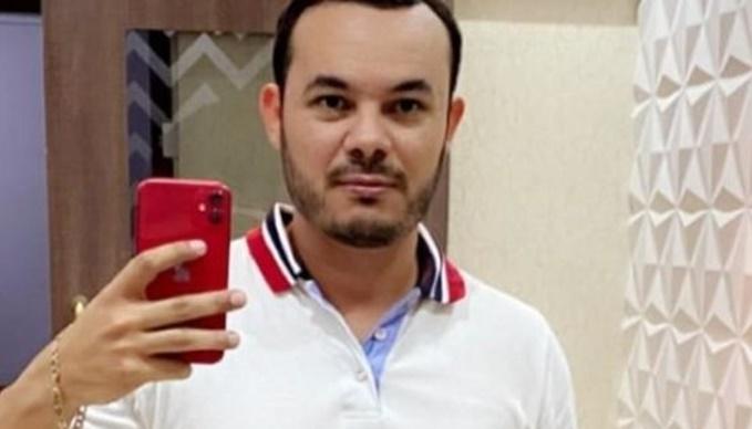 Motorista de BMW que atropelou e matou jovem se apresenta à polícia e é liberado