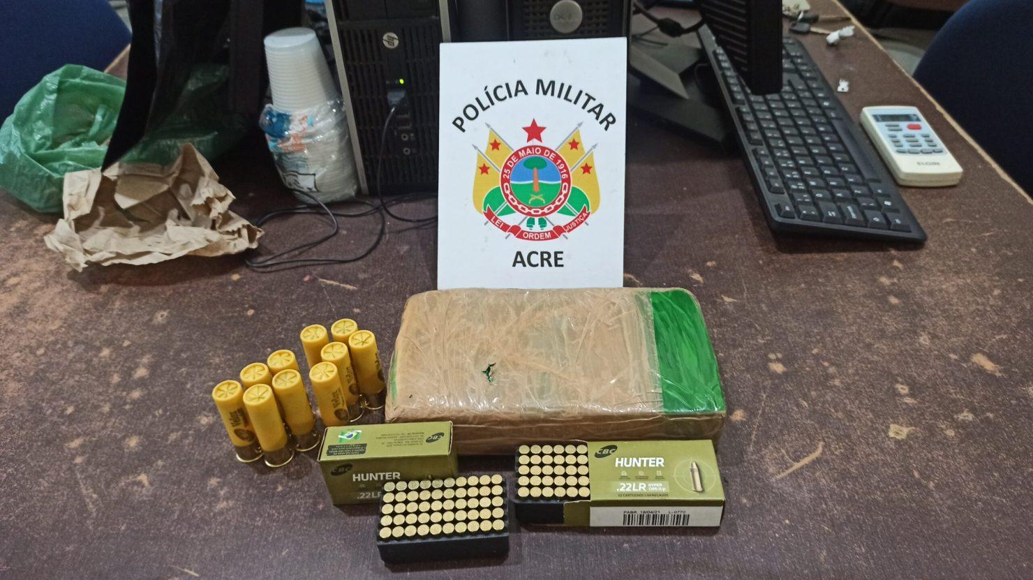 Agricultor é preso ao transportar mais de 1 kg de cocaína e munições para a zona rural