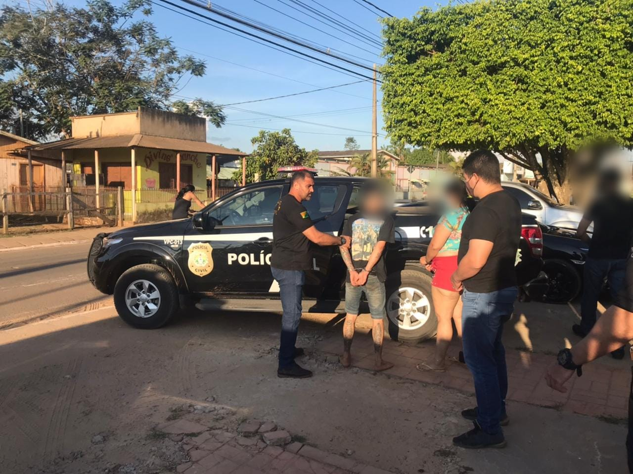Polícia Civil prende mãe e filho por tentar contra vida de policiais em Xapuri