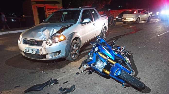 Policial penal sofre acidente de moto e fica em estado grave em Rio Branco