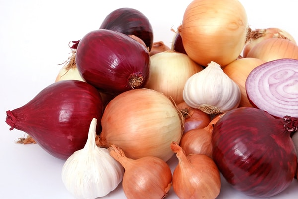 Onion for Pustular acne