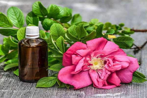 rose water and green tea to get rid of acne