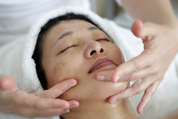 whiteheads on face treatment at home