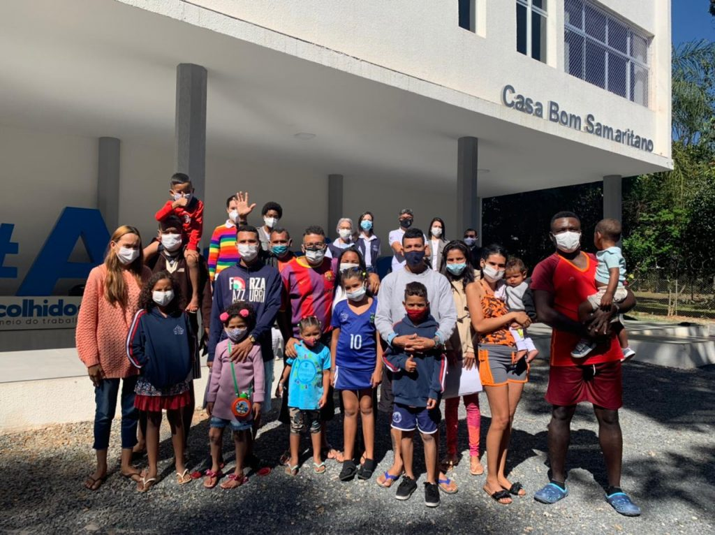 Casa Bom Samaritano recebe grupo de 19 migrantes venezuelanos