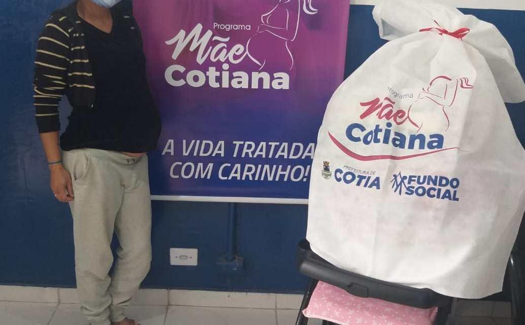 """Fundo Social realiza mais uma entrega dos kits de enxoval do bebê por meio do """"Mãe Cotiana"""""""