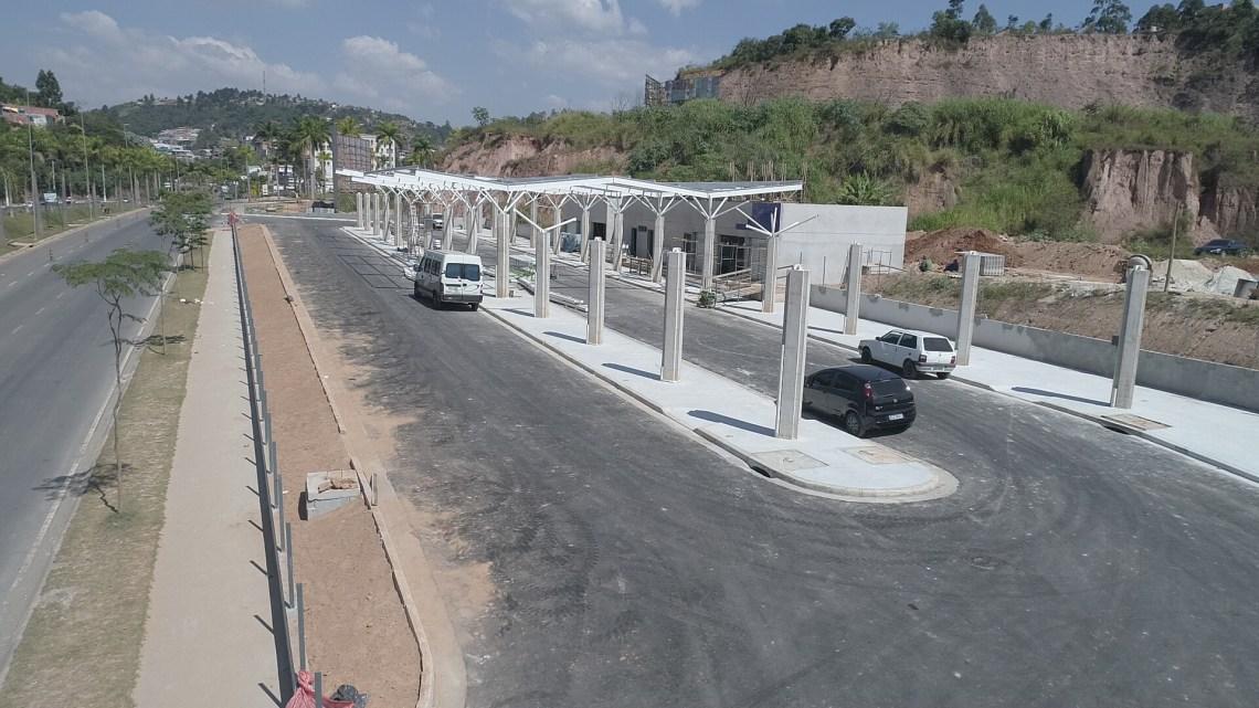 Terminal Rodoviário da Fazendinha em Santana de Parnaíba recebe estrutura metálica para instalação da cobertura
