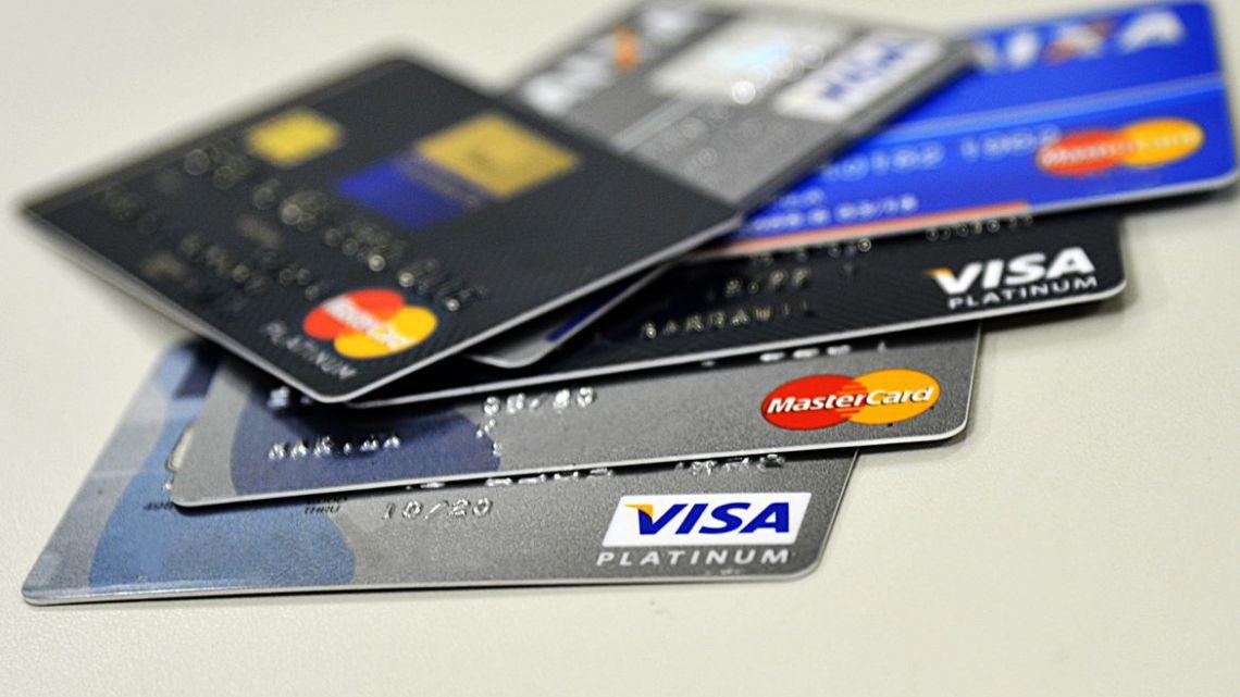 CNC: endividamento das famílias alcança 66,5% em maio